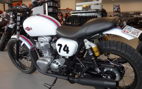 W800 Umbau im Martini Design