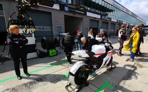 IDM Superstock und Superbike Lausitz