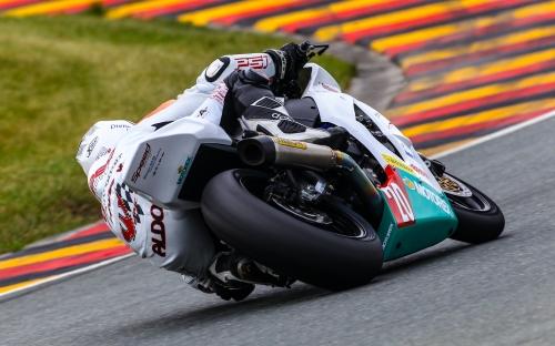 IDM Superstock 1000 am Sachsenring