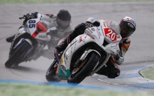 Alex Phillis auf der Weber-Diener Kawasaki
